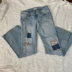 dELiA*sJeans distressed with patches size 5/6